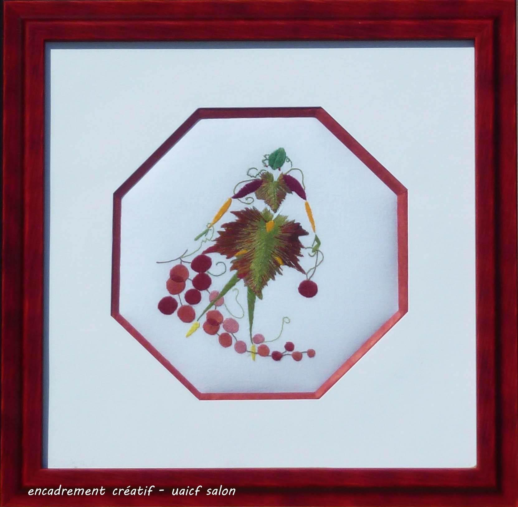 Broderie femme feuille de vigne